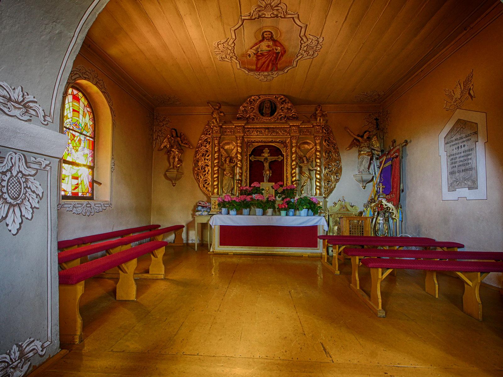lowiczek-oltarz-boczny
