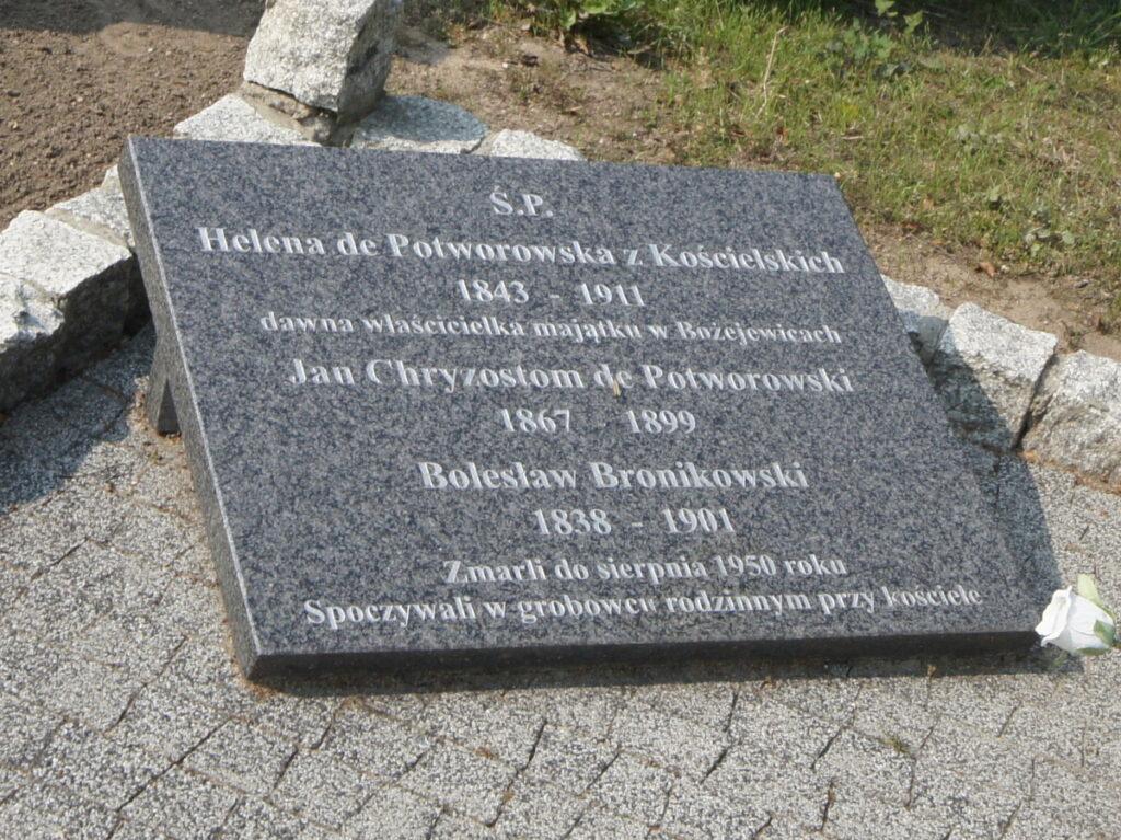 Tablica przy grobie Heleny Potworowskiej